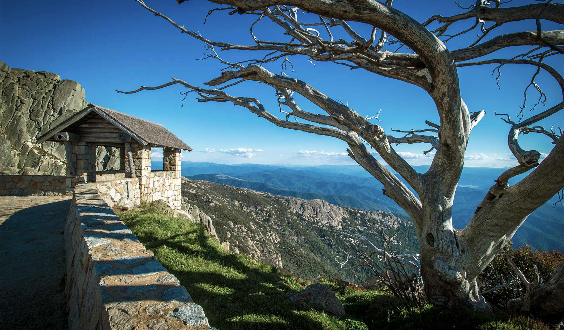 A picturesque photo of the stone hut near the Horn at Mt Buffalo.